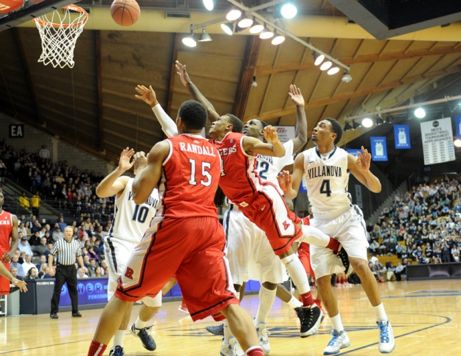 Wildcats Hold Court Against Knights of the Round Ball, Win 71-63